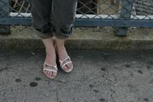 女性の綺麗な素足